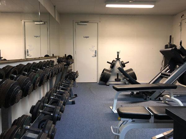 HaSK Faciliteter - Håndvægt, ben pres, bænke